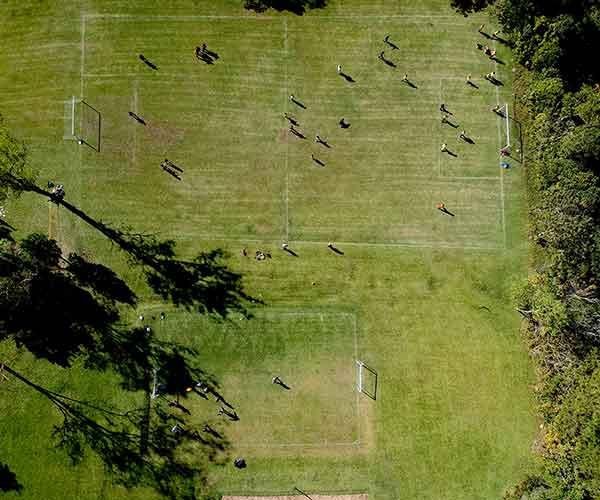 Campos esportivos jogos do acampamento