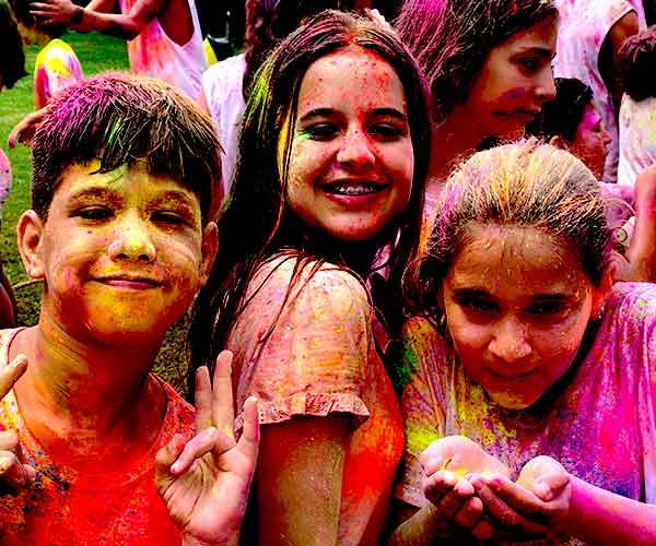 Holi party infantil no acampamento Águias da Serra